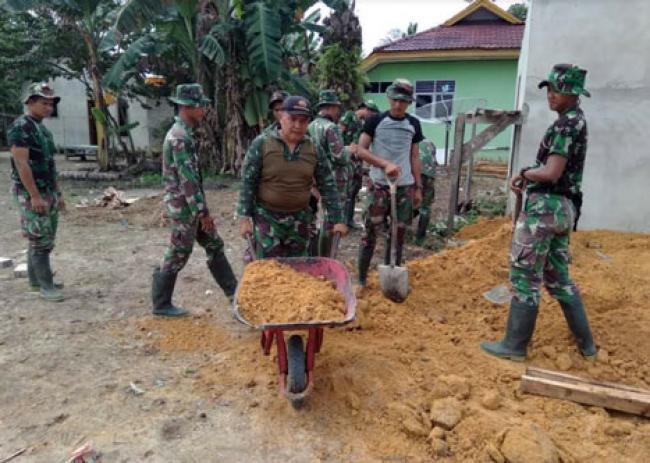 Meski Sudah MPP, Serda Asrizal Tunjukkan Pengabdian Melalui TMMD ke-102 Dumai