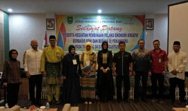 Kadispar Riau Buka Pembinaan Pelaku Ekonomi Kreatif Berbasis Seni dan Budaya 2018
