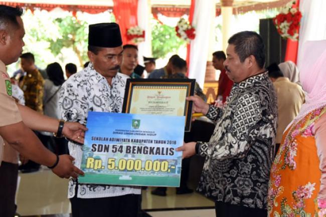Tiga Sekolah di Kecamatan Siak Kecil Raih Adiwiyata 2018 Tingkat Kabupaten Bengkalis