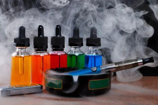 Mengerikan, Hampir 100 Kasus Penyakit Paru-paru Misterius Berkaitan dengan Vape