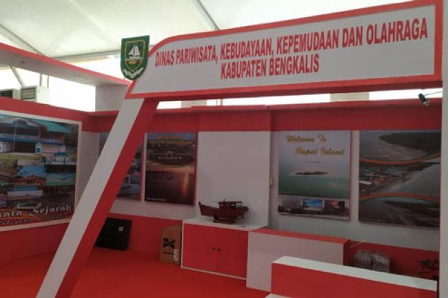"""Tampil dengan """"Warna Merdeka"""", Stand Disparbudpora Bengkalis Ikut Semarakkan Riau Expo 2019"""