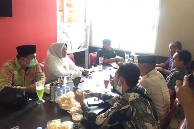 Sejumlah Anggota DPRD Inhu Dari Partai Pendukung SYIAR Bertemu Siti Aisyah