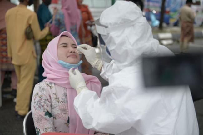 Hasil Swab Massal ASN Pemprov Riau Negatif