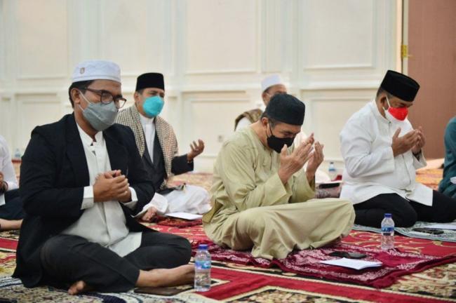 Semarak 10 Muharram 1443 H, Pemprov Riau Gelar Zikir, Doa, dan Khatam Alquran Secara Virtual