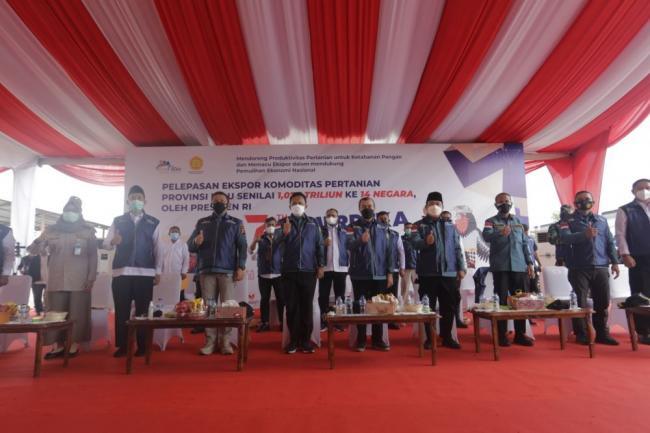 Merdeka Ekspor, Harapan Gubri Adanya Pelabuhan Peti Kemas di Riau