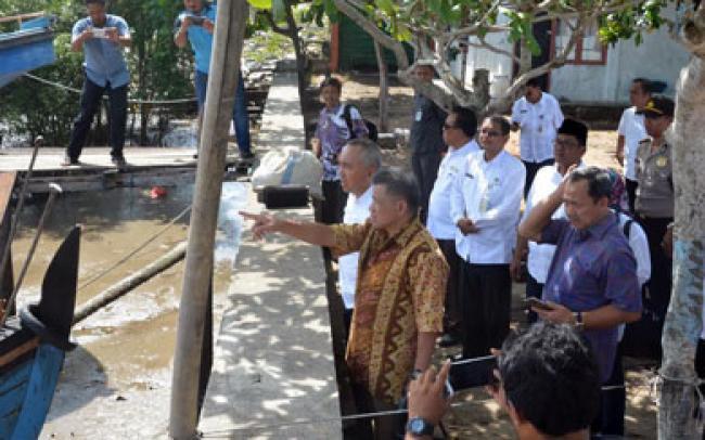 Gubri Bersama Deputi KKP RI Tinjau Pelabuhan Pelelangan Ikan di Dumai