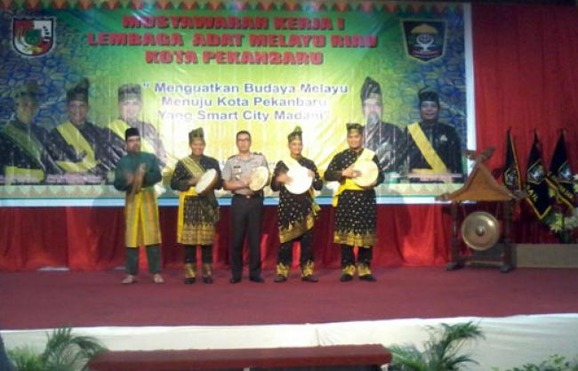Walikota Firdaus MT Resmi Buka Musyawarah Kerja I LAM Pekanbaru