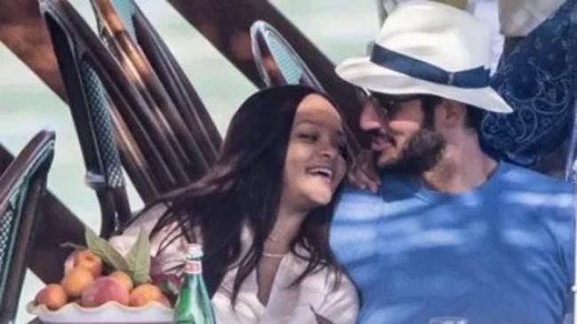Kerajaan Bisnis Milik Kekasih Rihanna, Konglomerat Arab Saudi