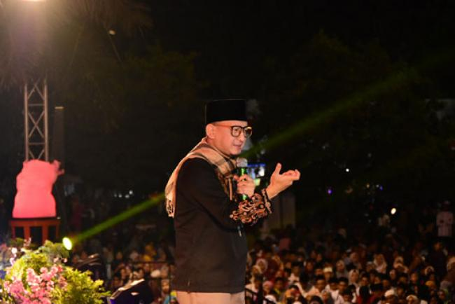 Ustadz H Zacky Mirza: 'Jaga Silaturahmi, Jangan Suka Sakiti Hati Orang Lain'