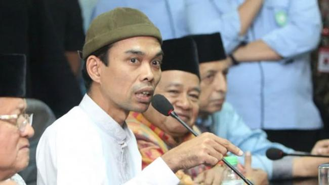 Ustaz Abdul Somad Sebut Dosanya Lebih Banyak Dibanding Giovanni Tobing