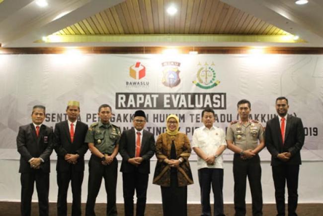 Sentra Gakkumdu Inhu Terbaik di Riau pada Penanganan Tindak Pidana Pemilu 2019.