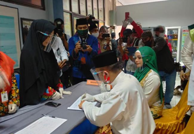 Paslon Bupati dan Wakil Bupati Kaderismanto-Iyeth Bustami Resmi Mendaftar ke KPU Bengkalis