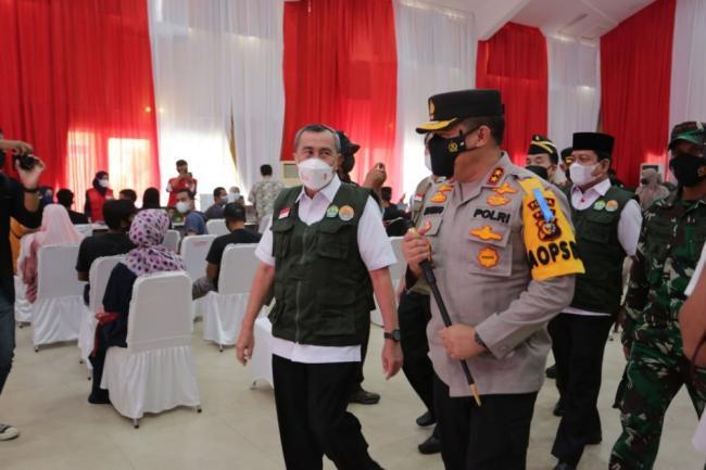 Gubri Hadiri Kegiatan Vaksinasi Merdeka di Wilayah Kota Pekanbaru