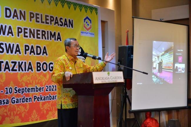 Beasiswa Pemprov Riau Sebagai Akses Lanjutkan Pendidikan Lebih Baik