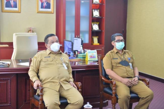 Sekdaprov Riau Hadiri Workshop Anti Korupsi Secara Virtual