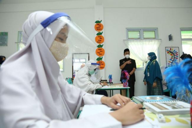 SMA 9 Pekanbaru Mulai Melaksanakan Sekolah Tatap Muka Terbatas