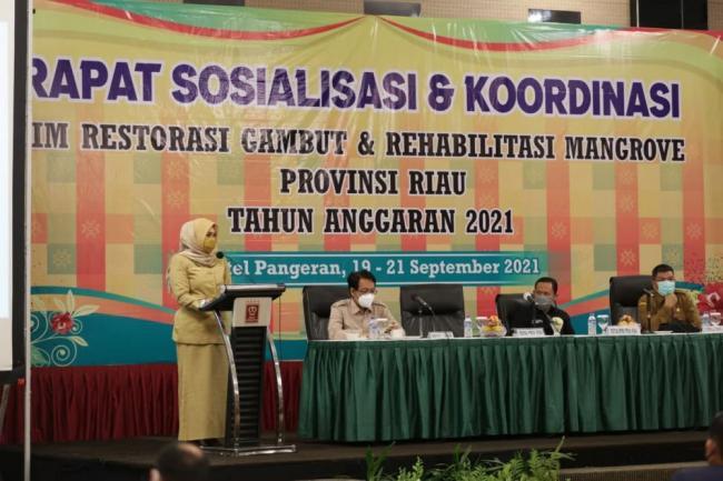 Asisten II Resmikan Tim Restorasi Gambut dan Rehabilitasi Mangrove Provinsi Riau