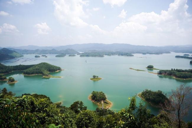 Sandiaga Uno Kagumi Pesona Puncak Kompe Kampar Riau