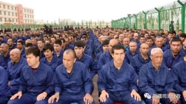 Pejabat China Akui Adanya Kamp Konsentrasi Muslim di Xinjiang