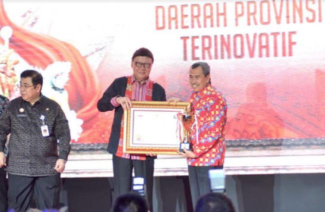 Provinsi Riau Terima Penghargaan Innovative Goverment Award 2019