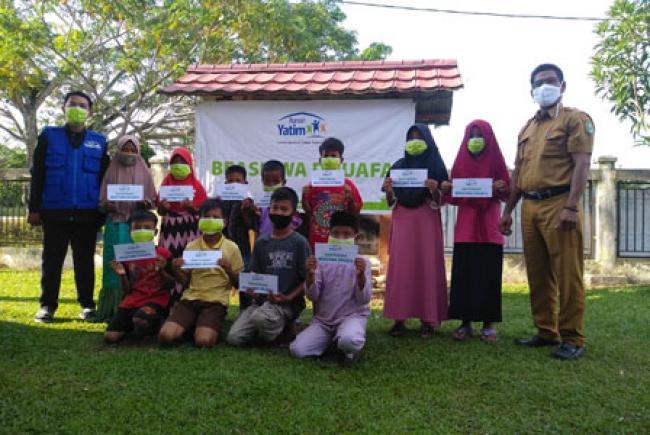 Bantuan Pendidikan Rumah Yatim untuk anak-anak di Dosan Riau