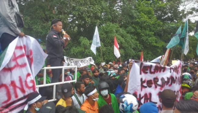 Ribuan Massa di Rohul Gelar Aksi Tolak Omnibus Law