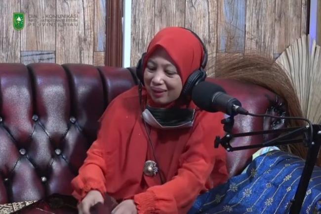 Cerita Sukses Yeni Susilawati Membangun Usaha Tenun Songket
