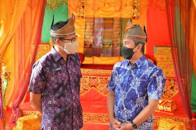 Blak-blakan, Ini Pesan Menparekraf dan Gubernur Riau untuk Mahasiswa Baru Unilak