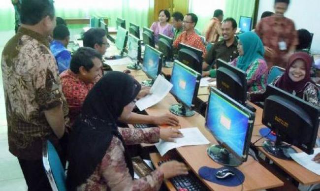 Guru Pelalawan Minim Penguasaan Tekhnologi