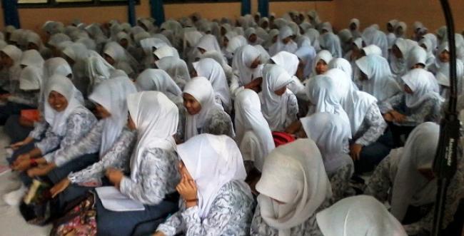 Tumbuhkan Akhlak Mulia Pada Setiap Pelajar, Disdik Riau Terapkan Pesantren Kilat