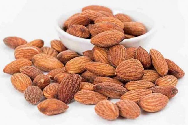 10 Manfaat Kacang Almond untuk Ibu Hamil dan Nutrisinya