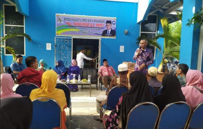 Reses Nofrizal di Kampung Melayu, Warga Keluhkan KIP Tak Bisa Digunakan