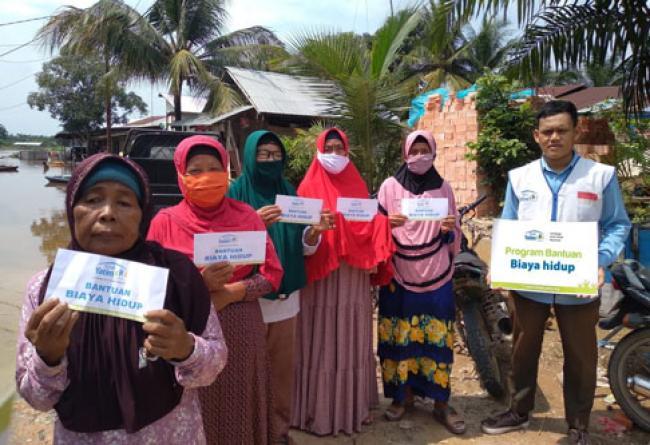 11 Lansia Dhuafa Riau Terima Bantuan Biaya Hidup