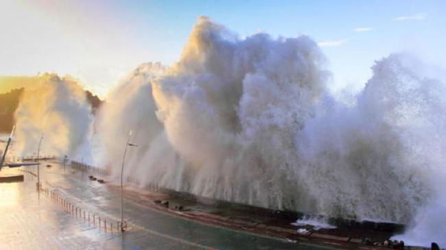Ahli: Awas Gempa 8,9 Magnitudo dan Tsunami 10 Meter di Padang
