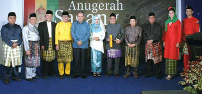 Jadi Cemeti Wujudkan Visi Riau 2020