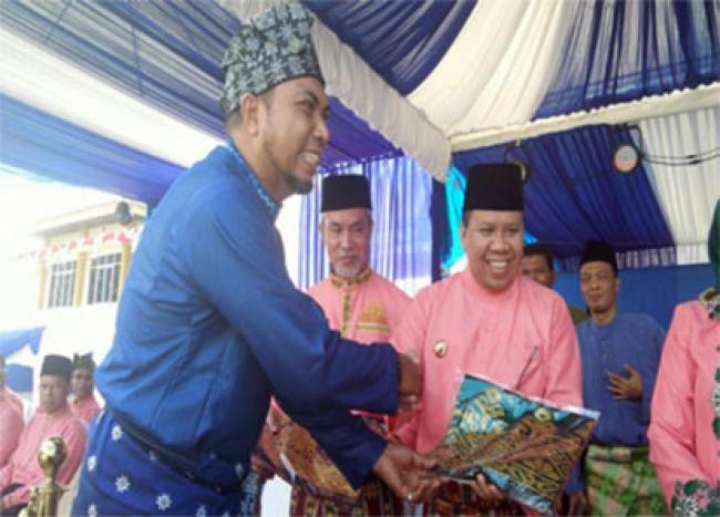 Tenun Songket Khas Pulau Padang Siap Jadi Icon Kepulauan Meranti