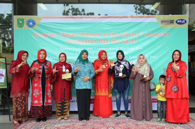 Peringati Hari Ibu, Dispersip Riau Gelar 'Smart Women Activity At the Library'