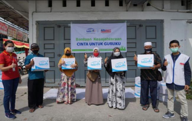Bersama Alfamart, Rumah Yatim Cabang Pekanbaru Sukses Bantu Ratusan Warga Tirta Siak