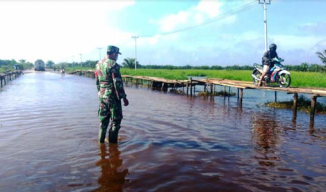 Banjir Rendam Jalan Desa Sotang Menuju Desa Kasang Padang Mulai Surut, Ini Kata Koptu Yuliarno