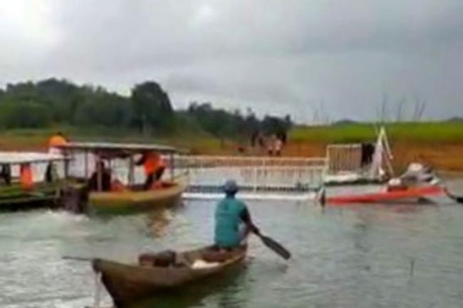 Kabar Duka: Angkut 40 Orang, Kapal Wisata di Kampar Terbalik, 1 Orang Tewas